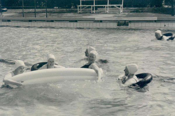 Schwimmbad um 1950 3